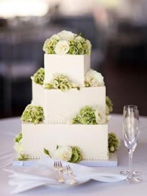 svadebnie-torti-v-zelenom-cvete-02