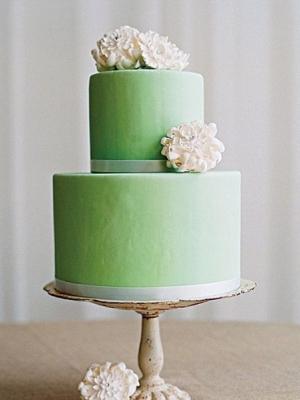 svadebnie-torti-v-zelenom-cvete-05