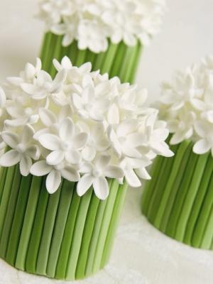 svadebnie-torti-v-zelenom-cvete-11