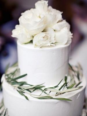 svadebnie-torti-v-zelenom-cvete-21