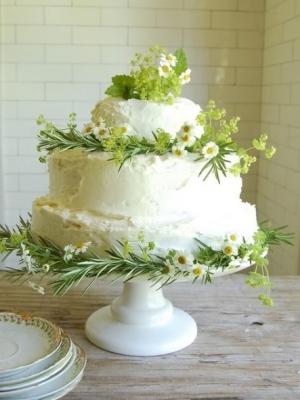 svadebnie-torti-v-zelenom-cvete-23