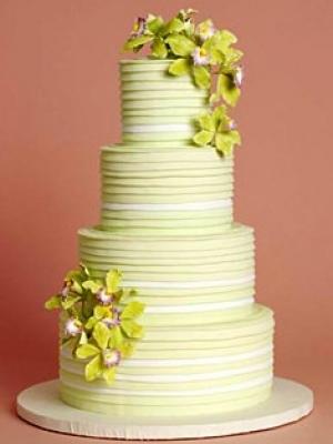 svadebnie-torti-v-zelenom-cvete-34