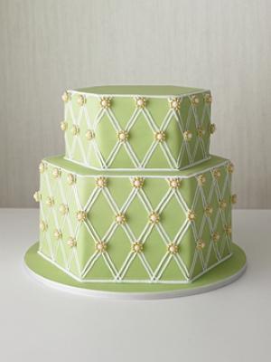 svadebnie-torti-v-zelenom-cvete-45