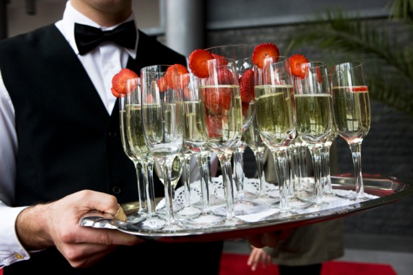 How-to-Save-Money-on-Bar-Service-at-Your-Wedding-6469092-e1282584091112